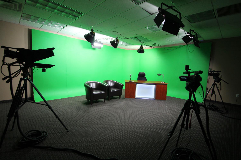 Media Room Lighting : Studio Green Screen1500 from www.tehroony.com size 1500 x 1000 jpeg 420kB